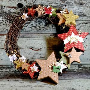 many merry stars wreath